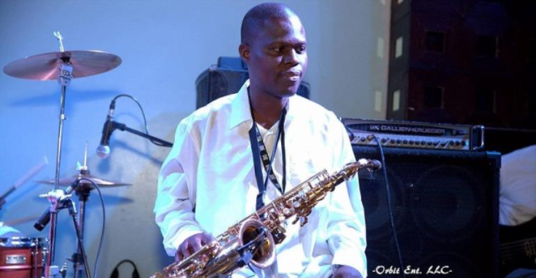 Singer, K1 Grief-Striken as Saxophonist Dies