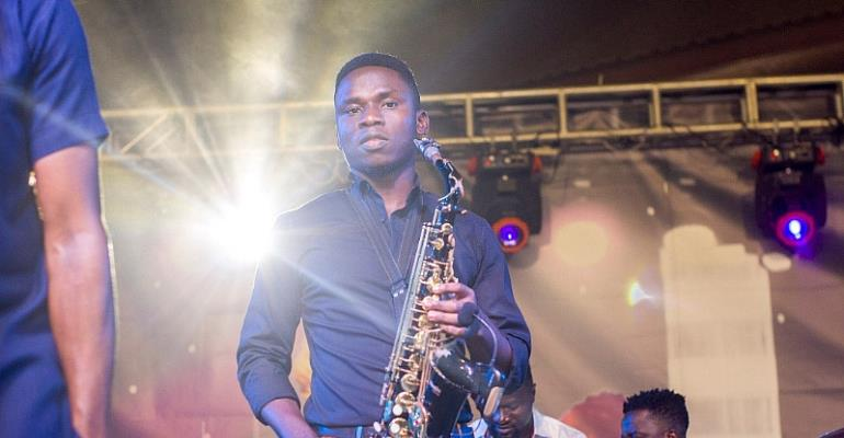 Ekow Joe Saxophonist Enchants Fans At Kojo Antwi's Concert