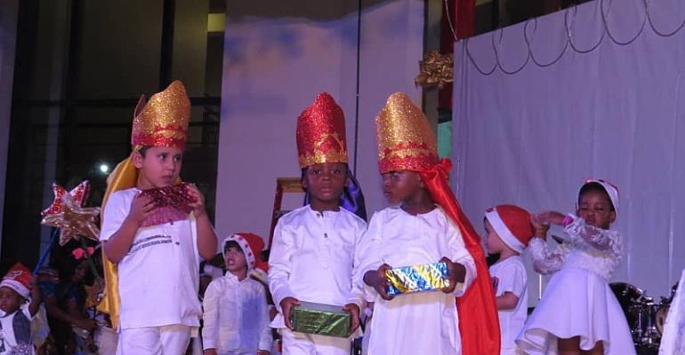 DPS International Holds Carols Service