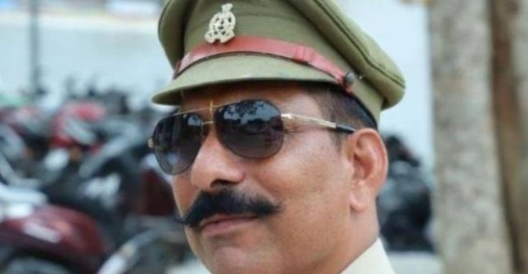 Police inspector Subodh Kumar Singh tried to calm the mob but was killed