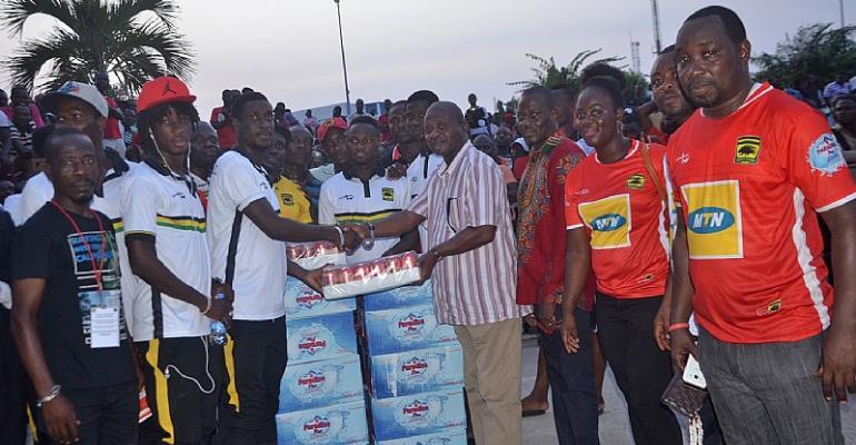GARCC Donates To Asante Kotoko Players