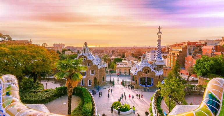4 Best Cities for First-Time Overseas Travelers