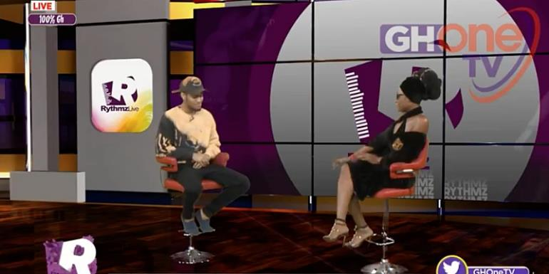 Video: Efya Sheds Inconsolable Tears For Ebony