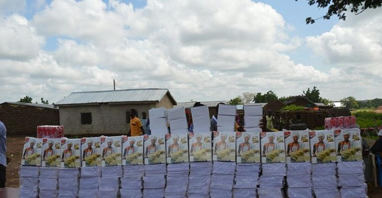 Sasso Supports Pupils With 30,000 Exercise Books