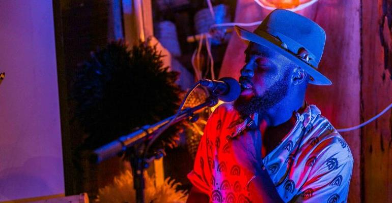 M.anifest Premieres Short Musical Film, Simple Love Coupled with Sensual Performance