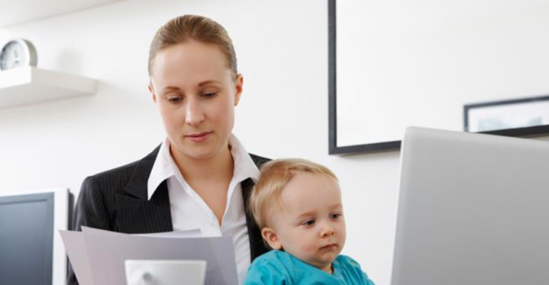 The Working Class Woman: 4 Ways To Balancing Work And Parenting