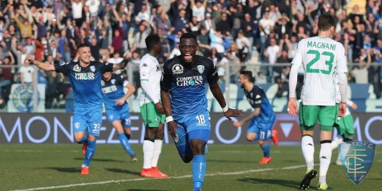Afriyie Acquah celebrates scoring Empoli's second goal against Sassuolo