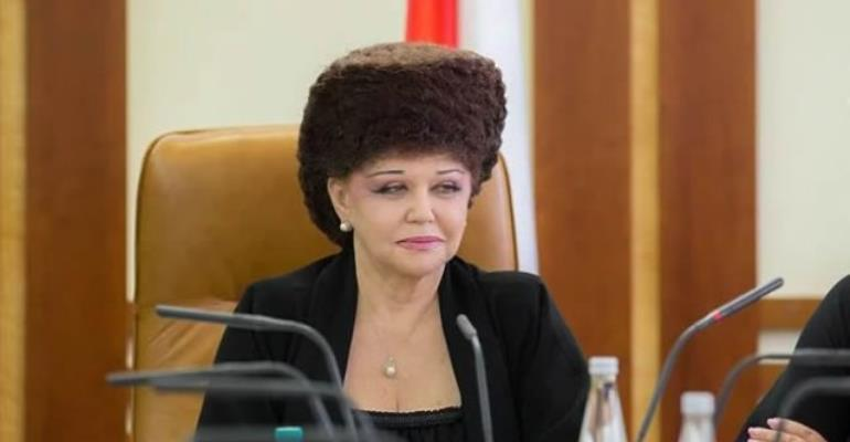 Unusual Hairstyle Of Russian Senator Goes Viral