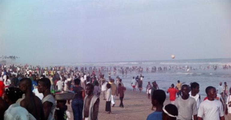 Holidaymakers mark Republic Day at beaches