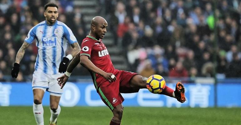 Andre Ayew Applauds Swansea City Players After Huddersfield Draw