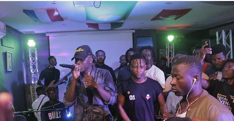 Stonebwoy Unveils Kelvynboy At Champs Sports Bar