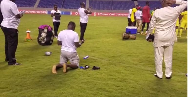 Dr Kyei Goes On His Knees To Pray For Kotoko Ahead Of Zesco United Clash [VIDEO]