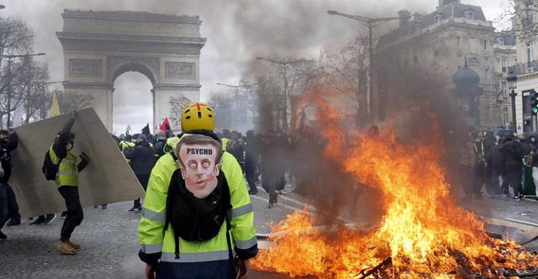 Almost 200 detained after Saturday's 'Yellow Vest' protests in Paris