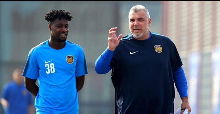 Boakye-Yiadom Starts Working Under New Jiangsu Coach Cosmin Olaroiu