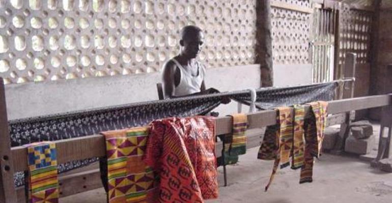 Bonwire Children Abandon School To Weave Kente