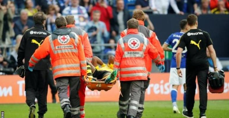 Batshuayi Stretchered Off In Dortmund's Derby Loss At Schalke