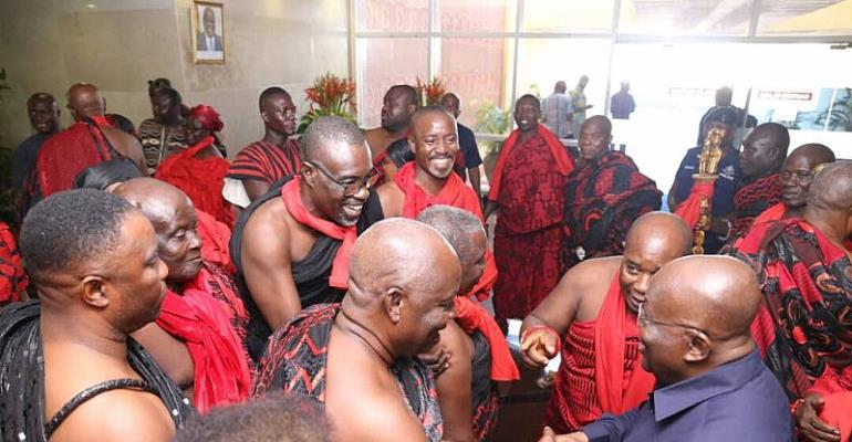 President Akufo-Addo Consoles Family Of The Late James Town Chief