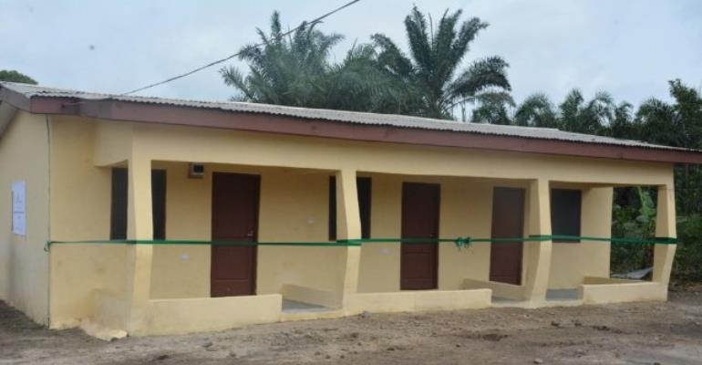 Staff contributed ¢20,000 to complete the project started by the community