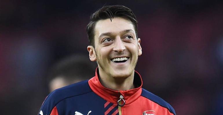 Mesut Ozil's agent slams 'jealous' Martin Keown for criticising Arsenal star