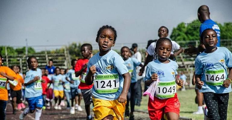 Kiddie Mile Fun Race Attracts Children And Parents