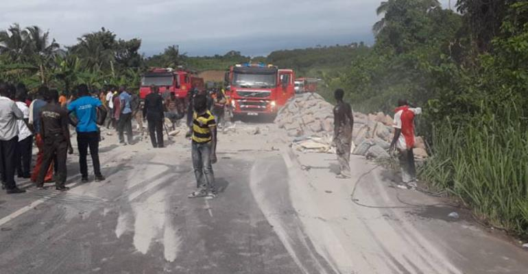 7 Killed In Auto Crash