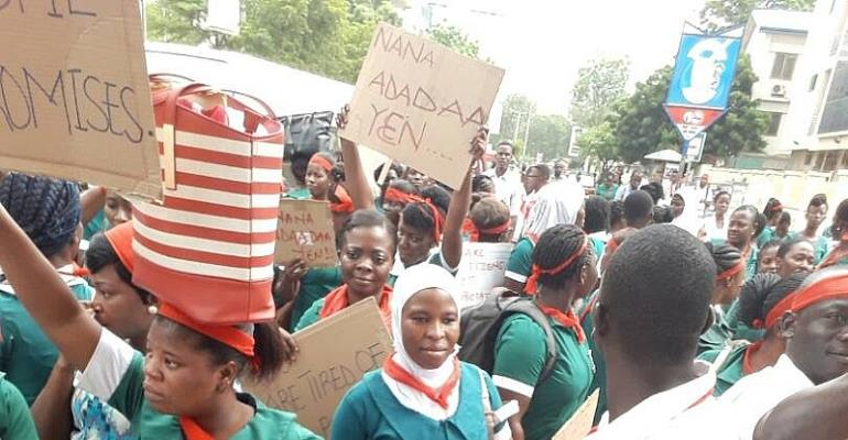 Gov't Cuts Intake Of Nurses To 60%