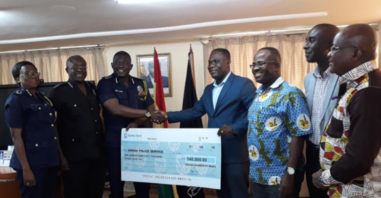 Police Gets 140k From Chamber Of Mines