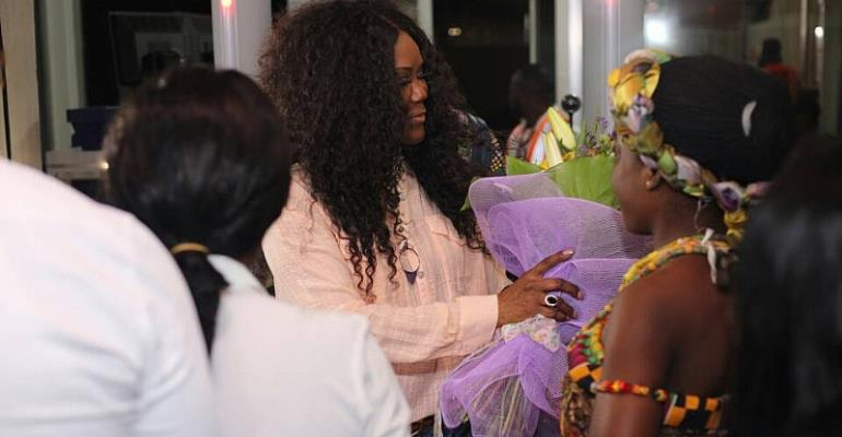 PHOTOS: Dr. Juanita Bynum Arrives In Ghana For Tehillah Experience