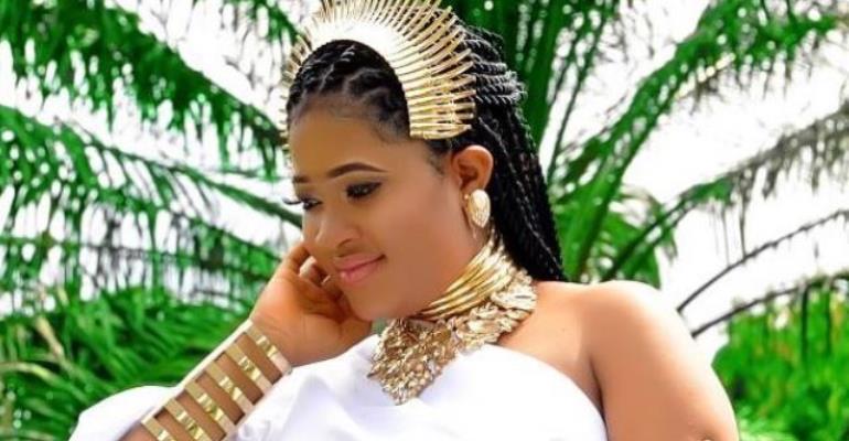 Checkout Pregnancy Photos of Nigeria's Pretty Makeup Artiste