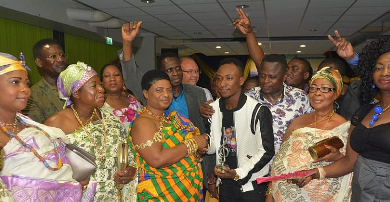 Nana Akosua Kusiwaah I. Asantefuo Hemaa Of The Netherlands Recently Presented The Akwaaba Holland Award To Atom