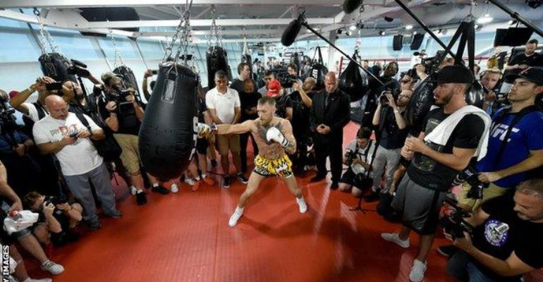 Floyd Mayweather is 'scared' of fighting me – UFC champion