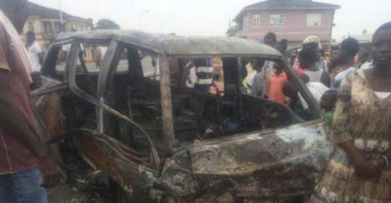 Three burnt to death in a Kikam car crash