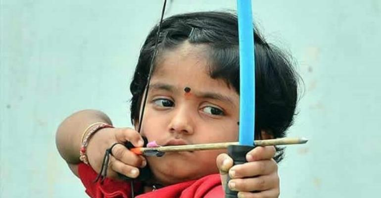Girl, 3, Fires 1,111 Arrows In A Row To Set Guinness Record