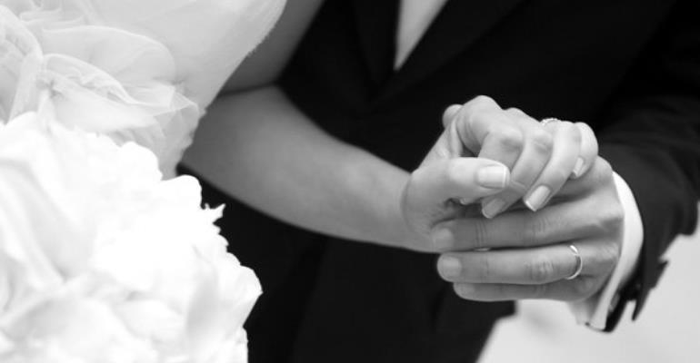 Woman Gets Scammed Into Marrying Total Stranger