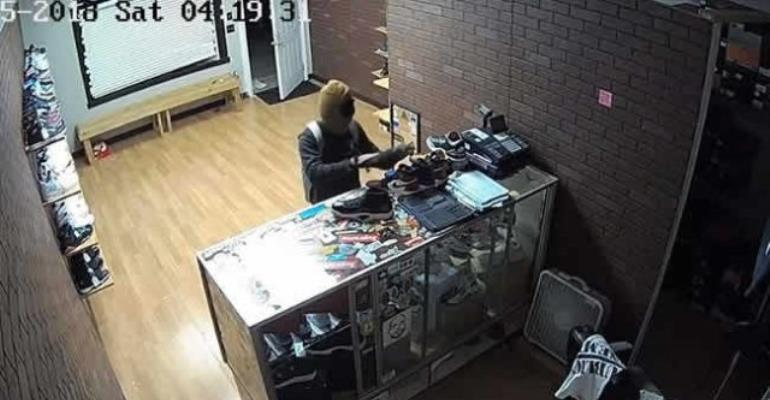 Burglar Stole Only Right-foot Shoes From Store