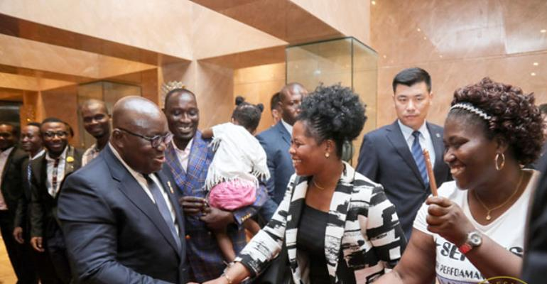President AKufo-Addo exchanging pleasantries with Ghanaians in Shangdong