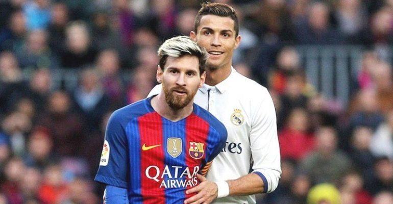 Cristiano Ronaldo Reportedly Stood Naked In Man Utd Dressing Room And Boasted About Lionel Messi