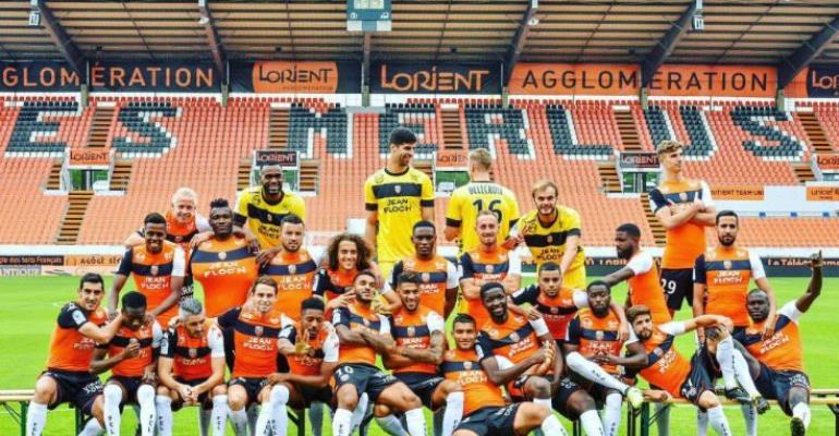Majeed Waris Shows Up For Lorient's Team Photo Shoot