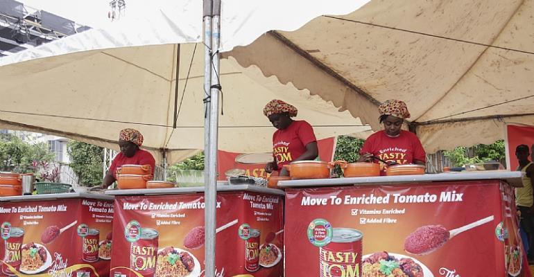 Tasty Tom Brokers Peace In 'Jollof War' At Ghana Jollof Festival