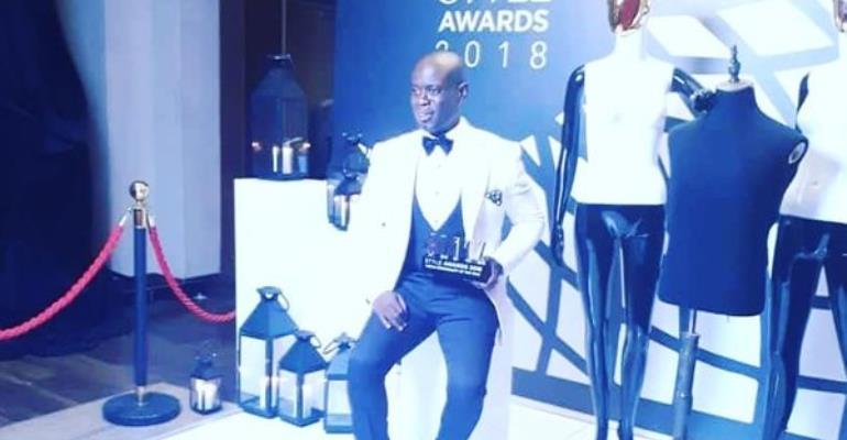 Nathaniel Attoh hosts Miss Universe
