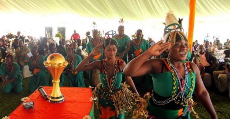 Dancers welcome home Zambia's national football team on February 14, 2012 in Lusaka.  By Joseph Mwenda (AFP/File)