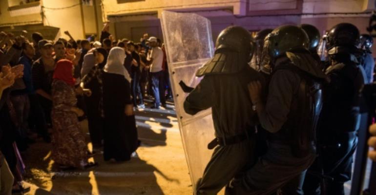 Police fire tear gas to halt Morocco \'million-man march\'