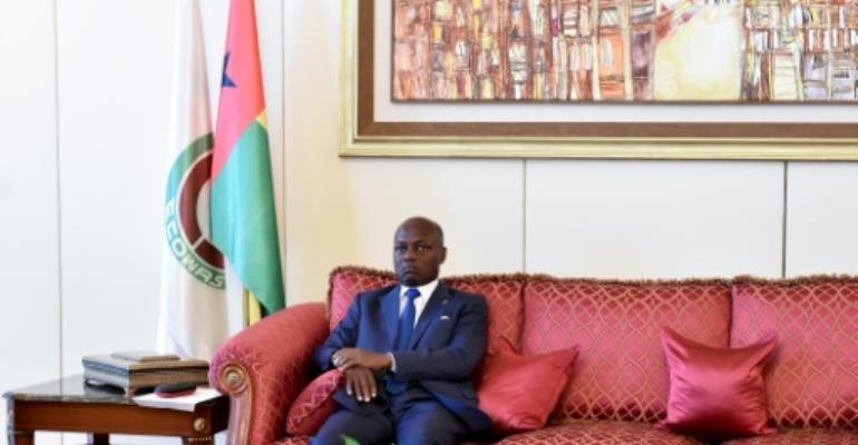 Guinea-Bissau PM resigns in bid to end political crisis