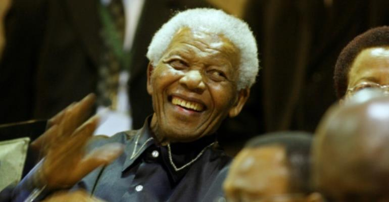 Mandela\'s widow furious over book on his last days