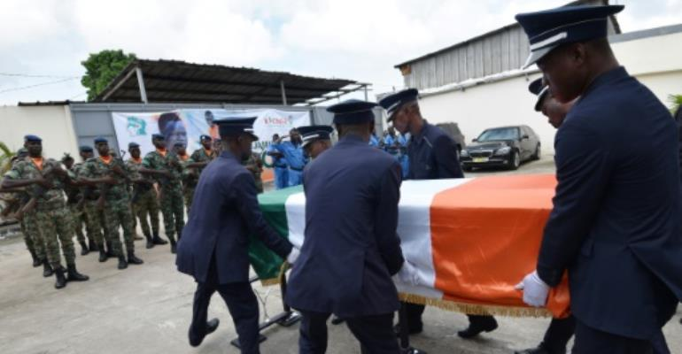 \'Worthy son\' Tiote laid to rest
