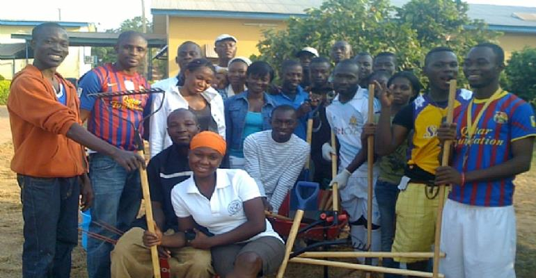 A section of the members who turned up for the clean-up activity
