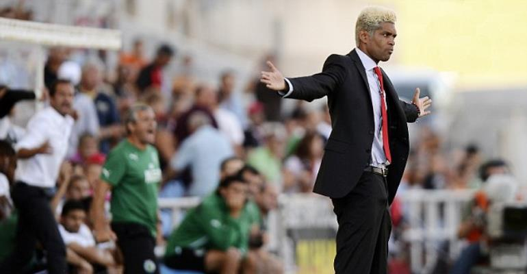 Abel Xavier is now the coach of Mozambique