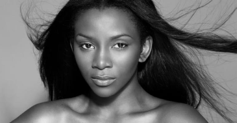Genevieve Nnaji Caught Smoking, Claims It Relaxes Her