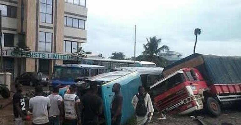 Accra floods: More than 100 feared dead after explosion
