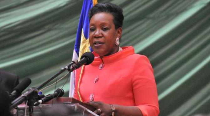 Central African Republic's new interim president Catherine Samba Panza delivers a speech after her swearing-in ceremony in Bangui on January 23, 2014.  By Issouf Sanogo (AFP/File)